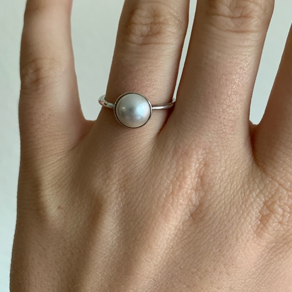 05b302e97d902 Pandora Luminous Droplet White Crystal Pearl ring